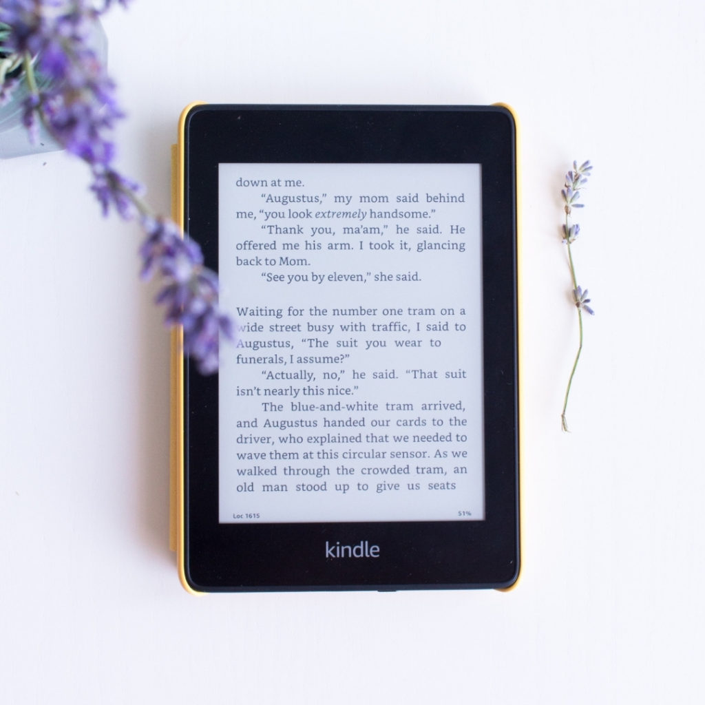 Want a worthy, half-priced alternative to the Kindle Oasis? The Kindle Paperwhite isn't quite as versatile as its successor, but it's still got a couple of things to spice up your reading: price point and simplicity.