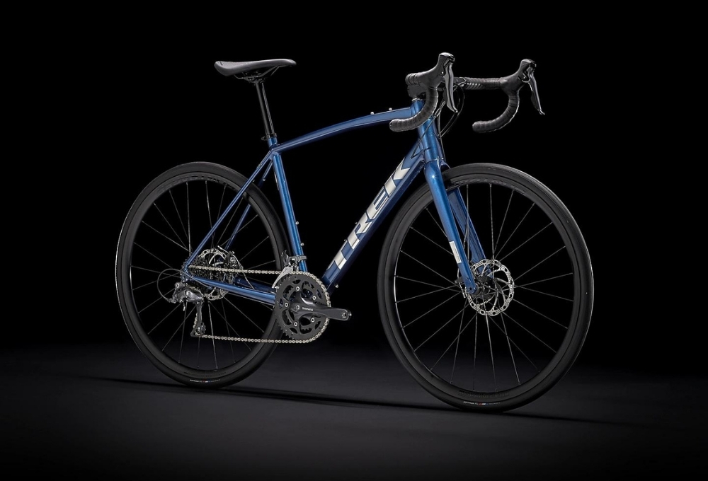 Road bikes are build to be super efficient on the road, have minimal rolling resistance and are great for covering the miles.